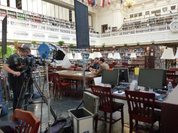 Bill Paxton discovers clues about his Revolutionary War era ancestor in the DAR Library.