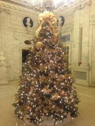 The Pennsylvania Foyer tree