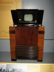 RCA introduced this TV at the 1939 World's Fair in New York. You had to look at the mirror in the top to watch the screen.