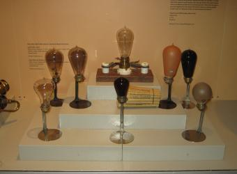 Light bulbs from the 1910s came in a variety of shapes and even colors.