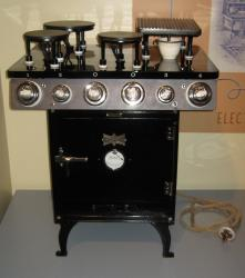 The most modern electric stove from around 1913.