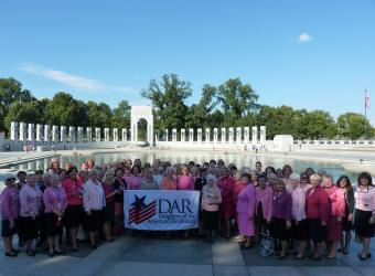 We all gathered for a photo by the beautiful WWII Memorial.
